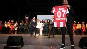 Haluk Levent, Antalyaspor için sahneye çıkacak