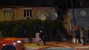 Yangında müstakil ev kullanılamaz hale geldi