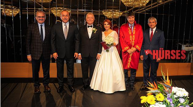Antalya'nın buluştuğu düğün