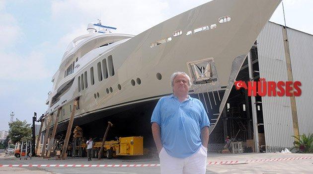 Lüks tekneye Mina adını vermişti