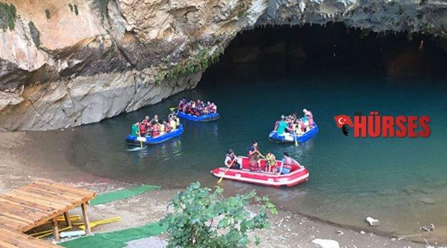 Altınbeşik Mağarası'na ziyaretçi akını