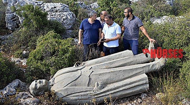 Atatürk heykeli bulundu