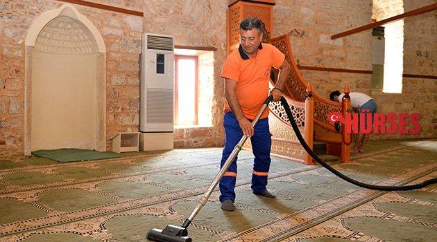Yivli Minare Camisi temizlendi