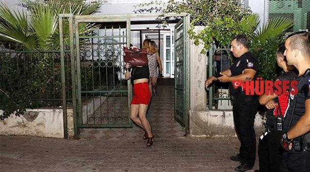 Polisten fuhuş operasyonu