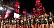 Antalya'da Paris Hilton rüzgârı