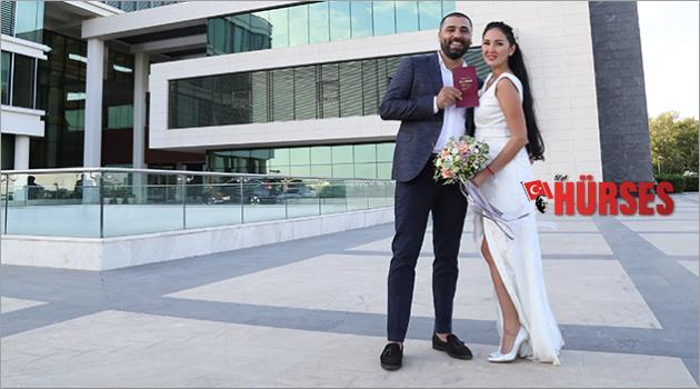 Tatilde başlayan aşk evlilikle taçlandı