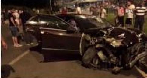 Sürücü, otomobili bırakıp kaçtı