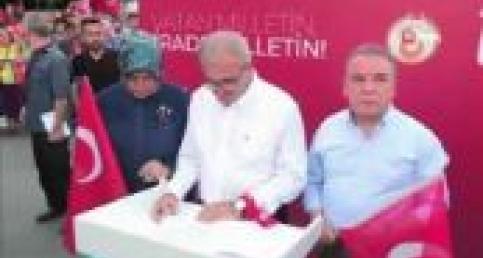 Antalya'da 15 Temmuz Milli Birlik Yürüyüşü