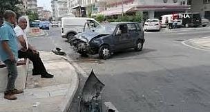 Antalya'da otomobilin çarptığı minibüs park halindeki araçlara vurdu: 1 yaralı