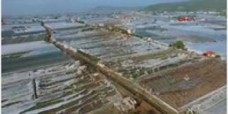 Hortum, Antalya'nın batısını yıktı geçti